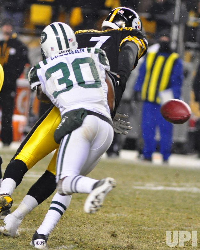 New York Jets Drew Colman forces Pittsburgh Steelers Ben Roethlisberger Fumbles in Pittsburgh