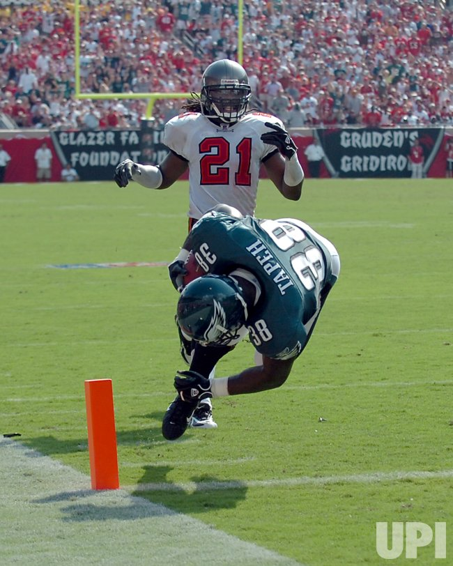 TAMPA BAY BUCCANEERS VS PHILADELPHIA EAGLES