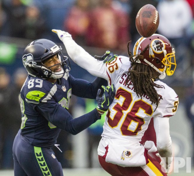 Washington Redskins beat the Seattle Seahawks 17-14 in Seattle