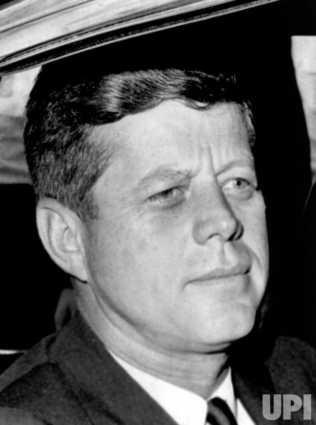 jfk a great leader who left As democrats begin maneuvering for the 2016 presidential race, there isn't one who would think of disparaging john f kennedy's stature as a democratic party hero yet it's a pretty safe bet that none would dream of running on kennedy's approach to government or embrace his political.
