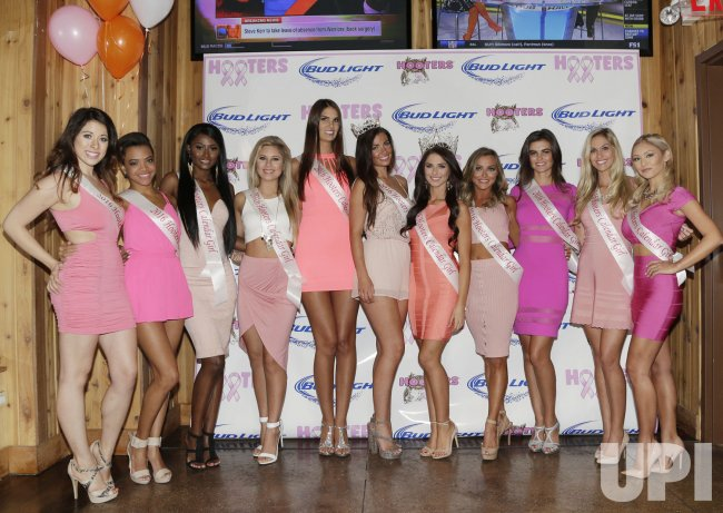 Hooters Calendar May : Hooters calendar girls in new york upi
