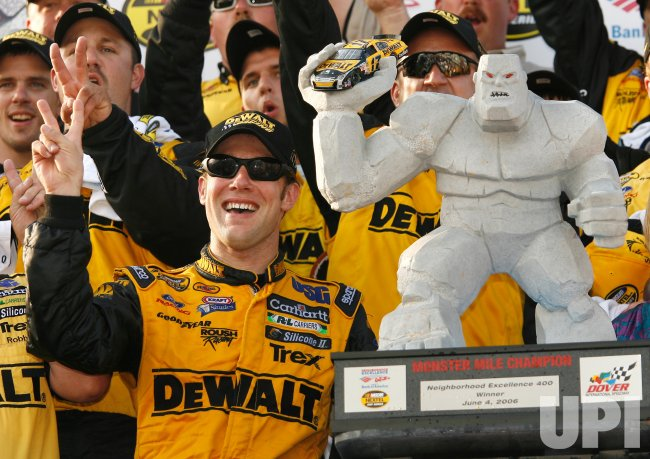 NASCAR NEIGHBORHOOD EXCELLENCE 400 AT DOVER INTERNATIONAL SPEEDWAY