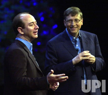 BILL GATES UNVEILS NEW MICROSOFT OFFICE XP PRODUCT