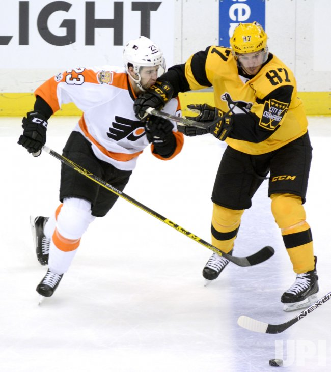 Flyer Manning and Pens Crosby in Pittsburgh