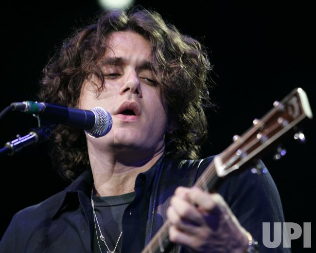 JOHN MAYER PERFORMS IN CONCERT
