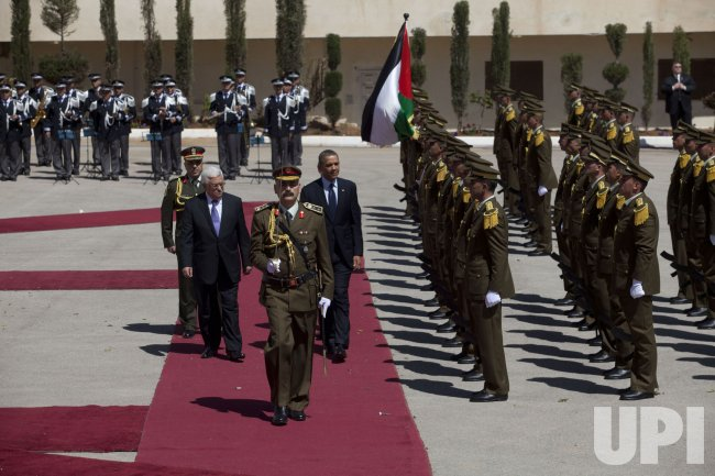 Obama is Welcomed by Abbas in Ramallah