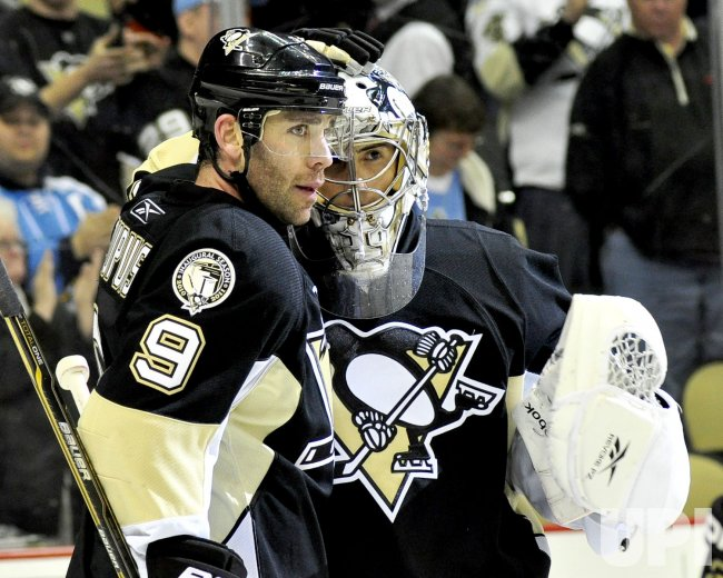Penguins Pascal Dupuis Scores Twice in 4-2 Win in Pittsburgh