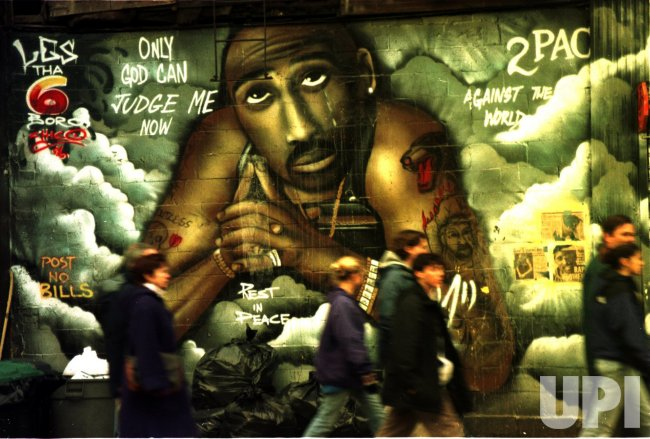 Tupac shakur memorial mural ignored for 2pac mural new york