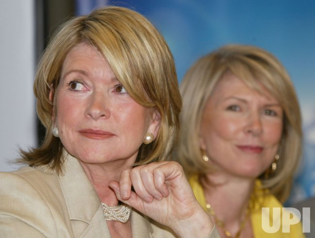 MARTHA STEWART AND SIRIUS RADIO ANNOUNCE DEAL