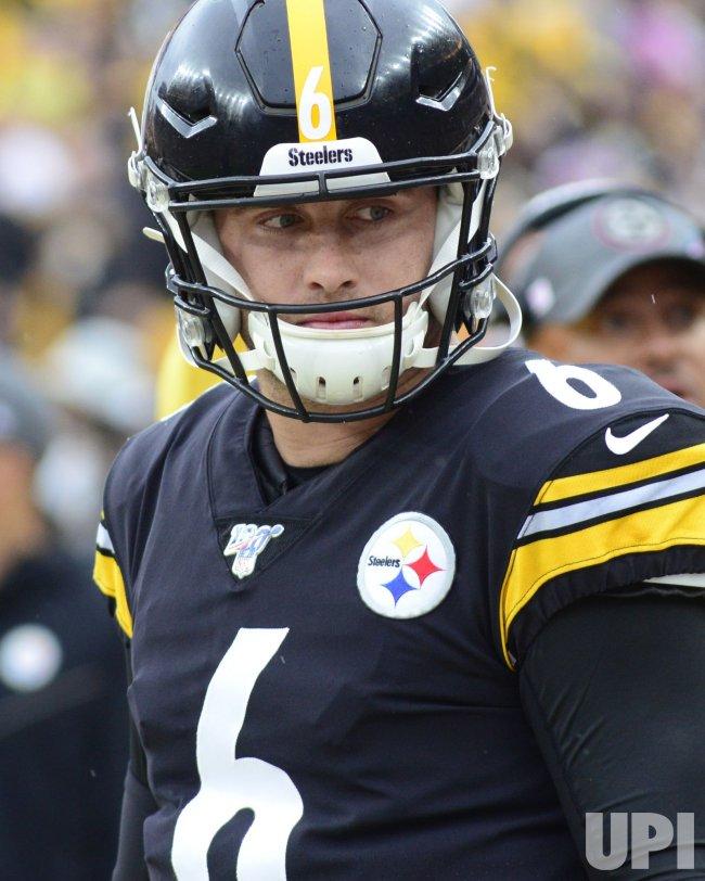 Steelers Quarterback Devlin Hodges Against Ravens