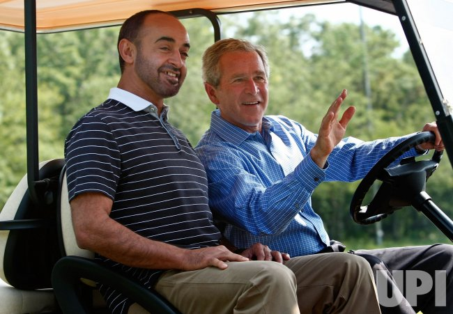 Bush greets Crown Prince of Abu Dhabi at Camp David
