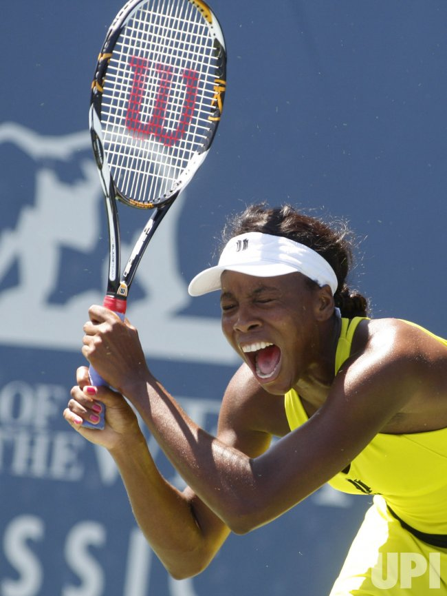 Marion Bartoli defeats Venus Williams to win Bank of the West Classic tennis at Stanford University in California