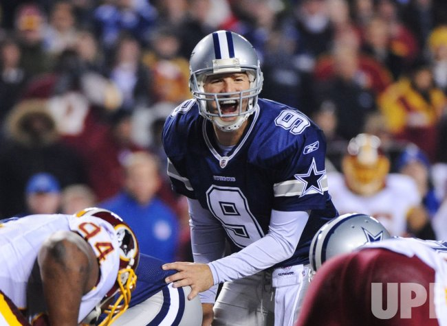 Cowboys Romo calls a play against Redskins in Landover, Maryland