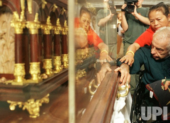 Reliquary of St Therese de Lisieux visits Phoenix