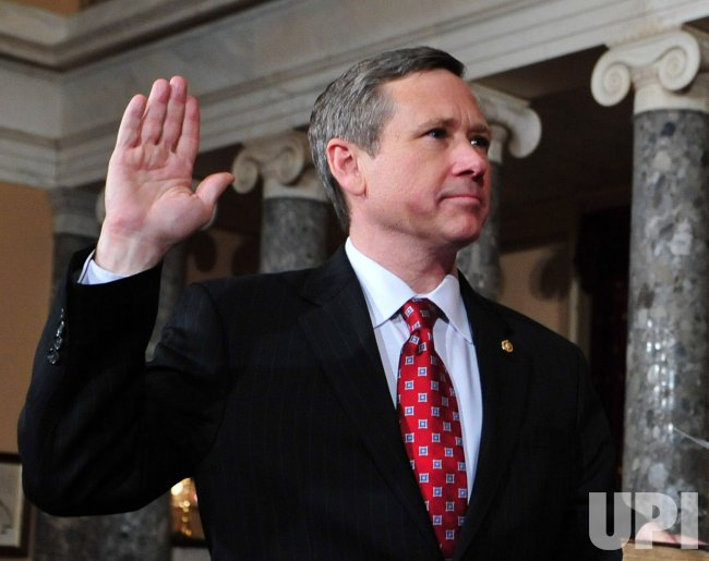Sen. Mark Kirk (R-IL) is sworn in on Capitol Hill in Washington