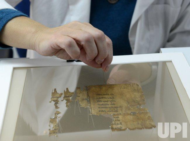 Dead Sea Scrolls Go Digital Online