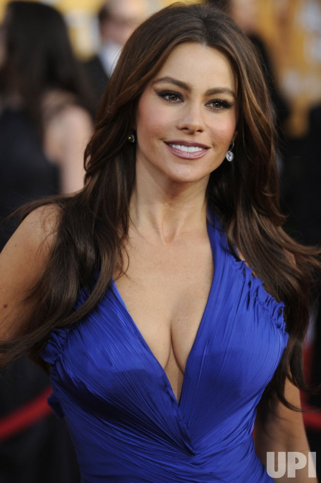 Sofia Vergara arrives at the 17th annual Screen Actors Guild Awards in Los Angeles