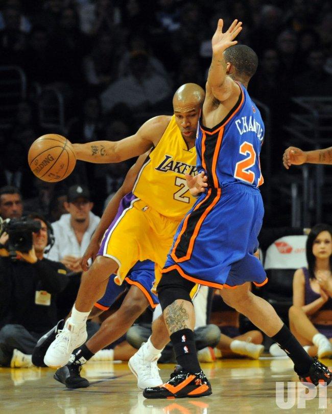 Los Angeles Lakers vs New York Knicks in Los Angeles