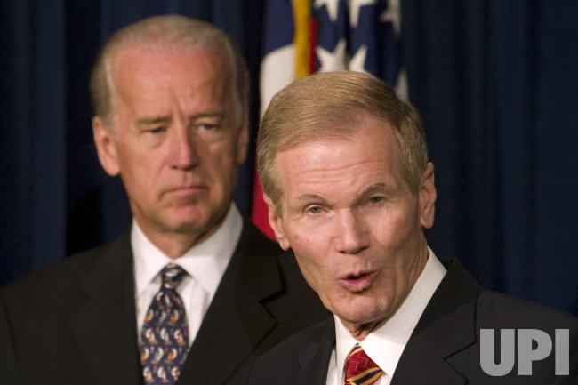 BIDEN, BOXER PRESENT PLAN FOR IRAQ ON CAPITOL HILL