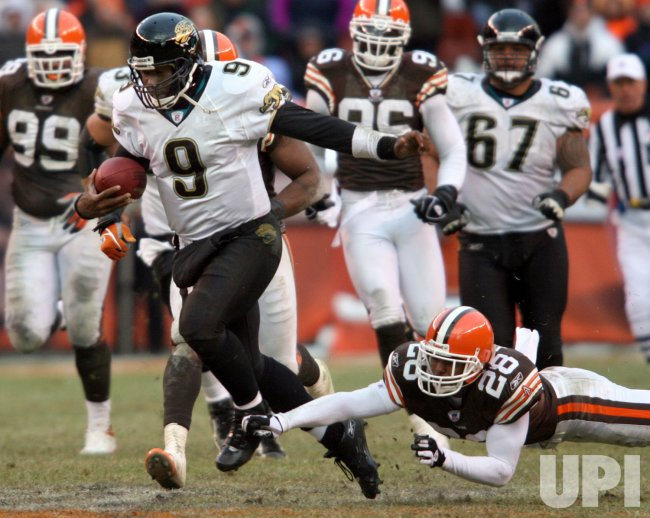 JACKSONVILLE JAGUARS AT CLEVELAND BROWNS