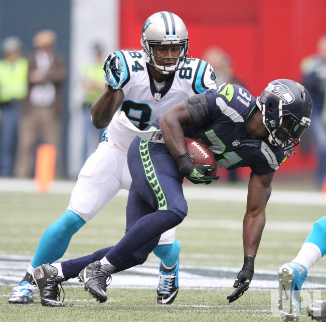 Seahawks Chancellor intercepts a pass intended for Panthers Dickson