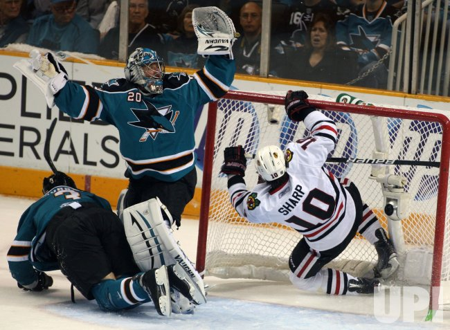 Blackhawks defeat the Sharks in San Jose, California