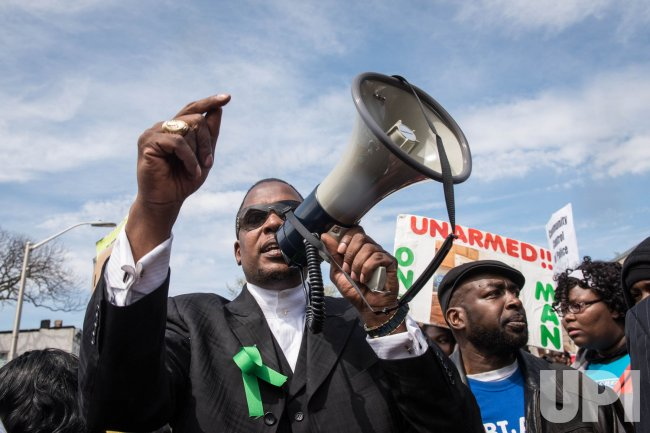 Thousands Attend Freddie Gray Protest March in Baltimore