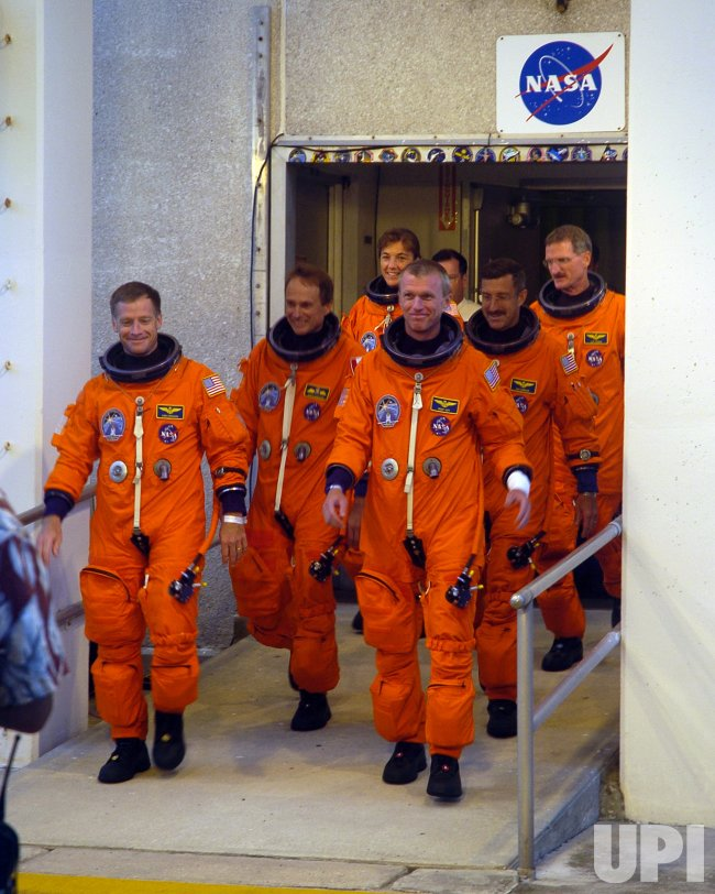 STS-115 CREW DEPARTS FOR LAUNCH PAD
