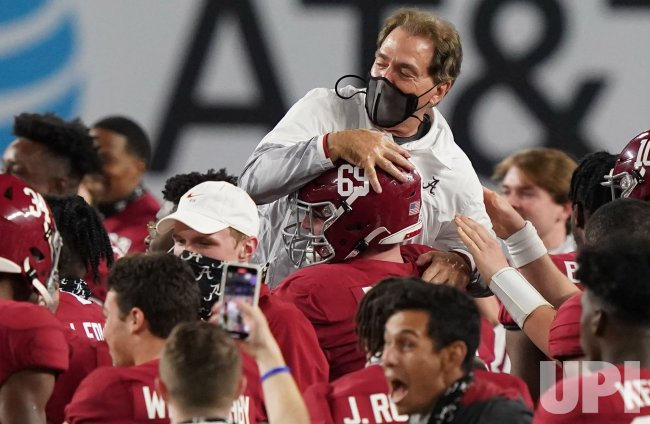 Alabama Crimson Tide defeats Ohio State Buckeyes 52-24 during 2021 National Championship in Miami