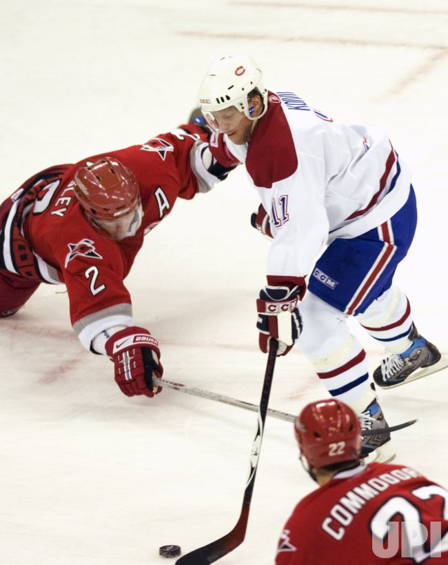 MONTREAL CANADIENS VS CAROLINA HURRICANES