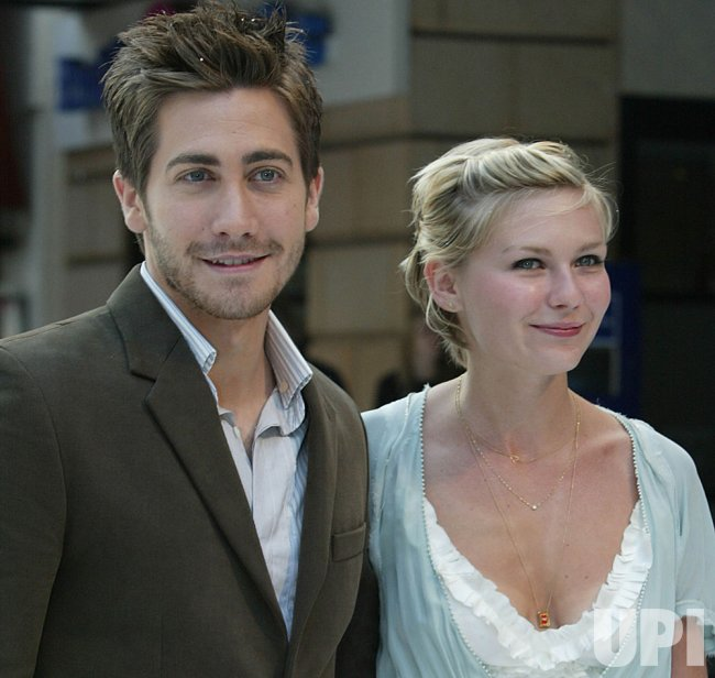 JAKE GYLLENHAAL AND KIRSTEN DUNST END 2 YEAR RELATIONSHIP