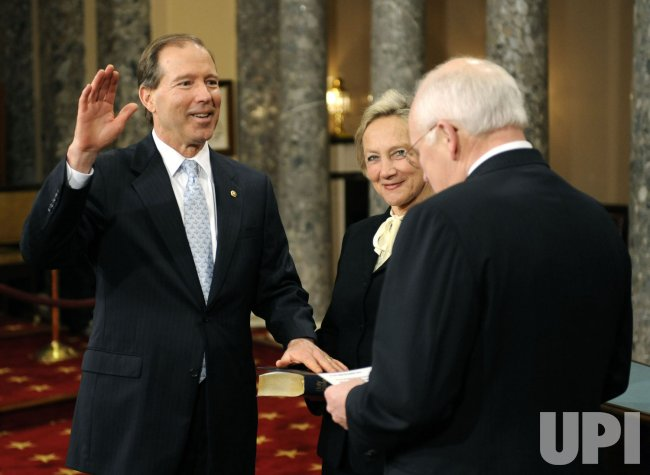 Senators participate in mock swearing-in ceremony in Washington