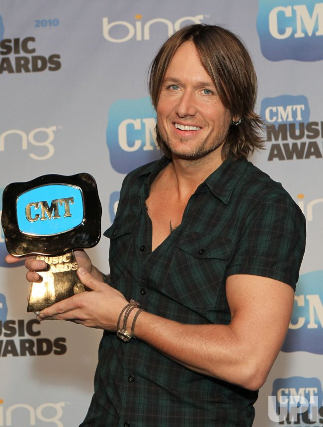 Keith Urban wins Male Video of the Year CMT Award in Nashville