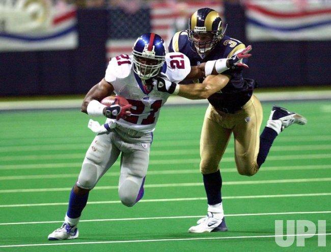 New York Giants vs St. Louis Rams football