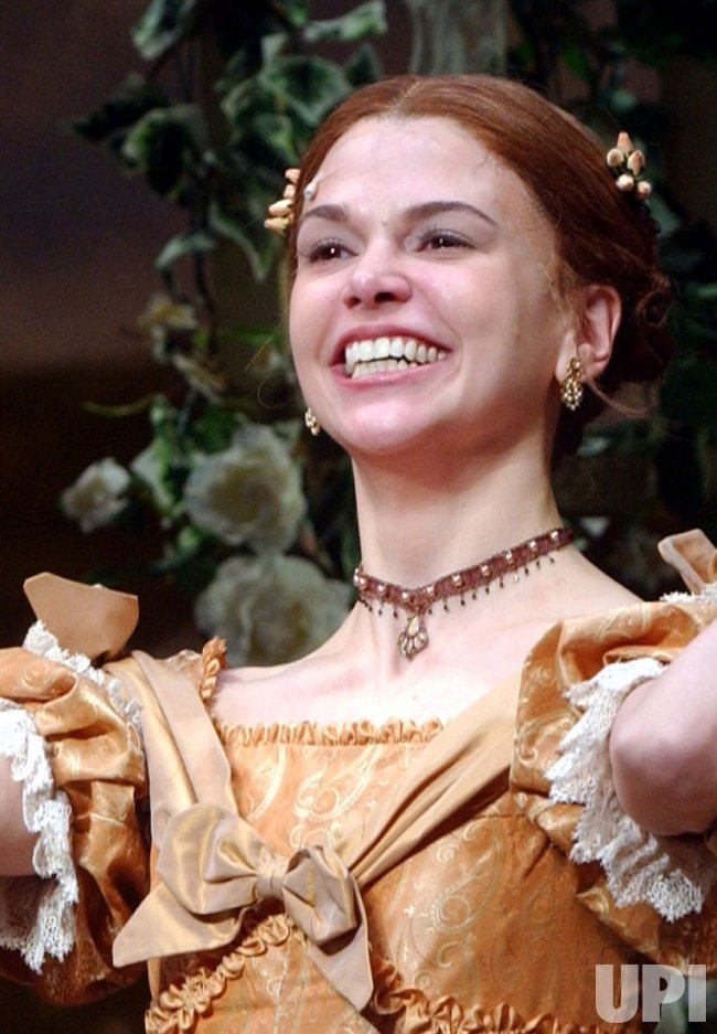 "SUTTON FOSTER OPENS IN BROADWAY MUSICAL ""LITTLE WOMEN"""