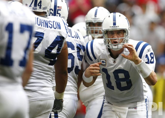 Scrimmage - Upi Stadium Line At Indianapolis Manning com Quarterback Audible Colts Peyton Reliant Calls Houston The An Of In