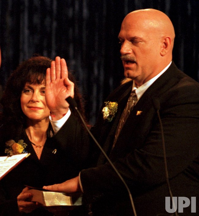 Jesse Ventura is inaugurated