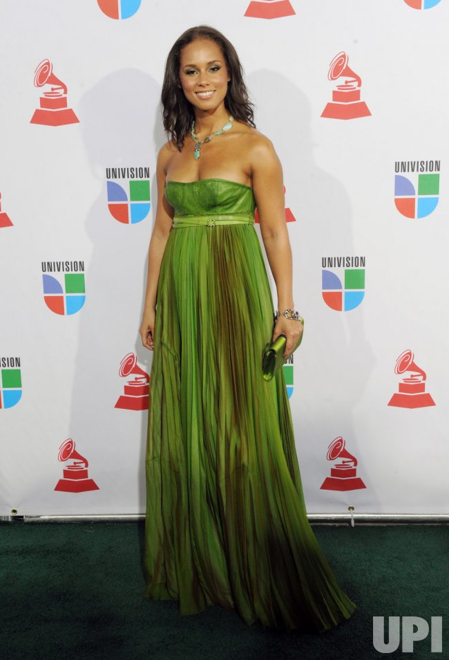 Alicia Keys arrives at the 10th Annual Latin Grammy Awards in Las Vegas