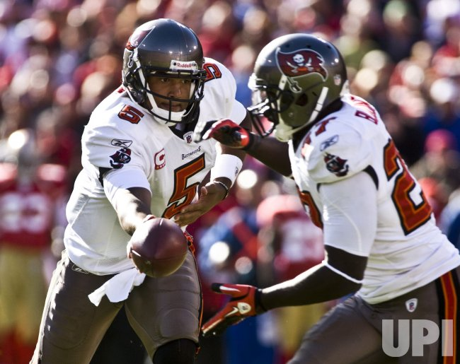 Buccaneers QB Josh Freeman shuts out 49ers in San Francisco