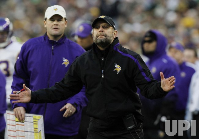 Vikings coach Childress yells against the Packers