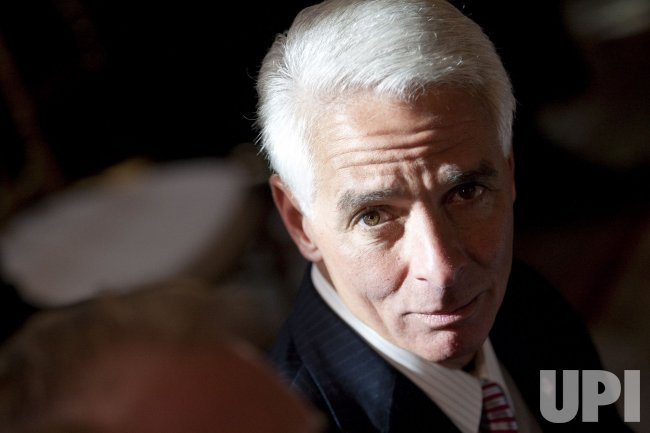 Florida Gov. Charlie Crist attends National Governors Association meeting at the White House in Washington