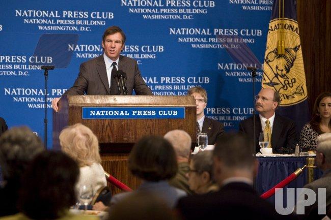 Dennis Quaid discusses prevention of medical errors in Washington