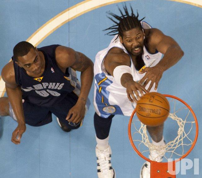 Denver Nuggets Home Record: Nuggets Nene Dunks Against Grizzlies Arthur In Denver