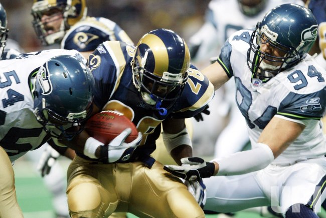 NFL FOOTBALL - SEATTLE SEAHAWKS VS ST. LOUIS RAMS