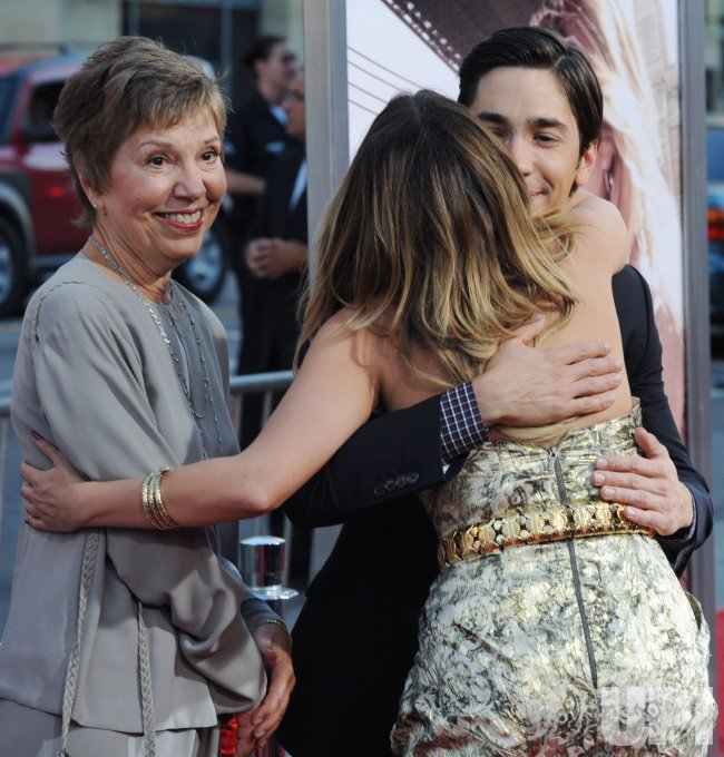 "Drew Barrymore and Justin Long attend the ""Going the Distance"" premiere in Los Angeles"