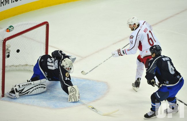 Rick Nash scores during the 2011 NHL All-Star Game