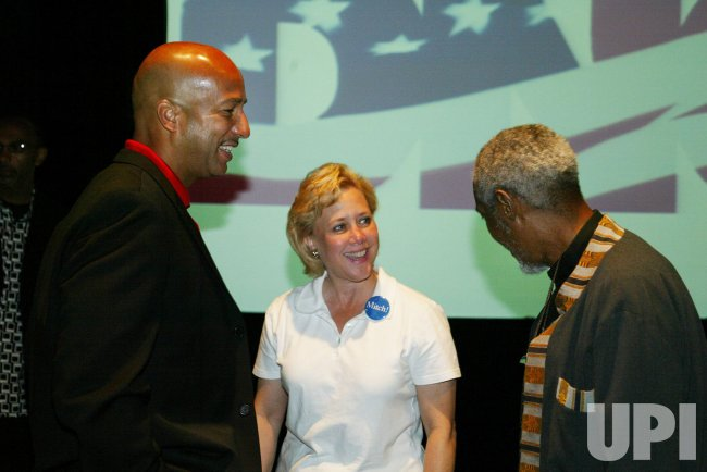 U.S. SEN. MARY LANDRIEU AND NEW ORLEANS MAYOR RAY NAGIN AT DNC MEETING