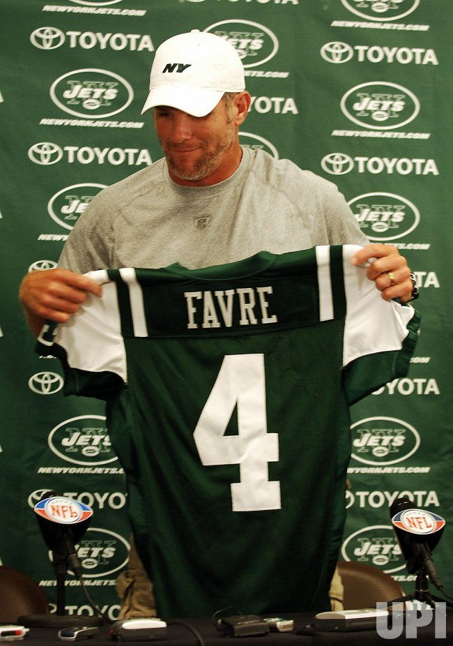official photos a5f09 f754e Brett Favre traded to the New York Jets - UPI.com
