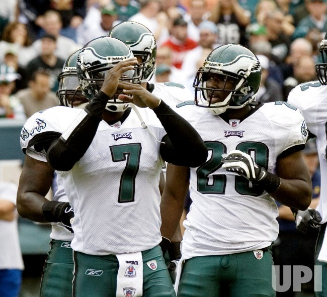 Quarterback Michael Vick calls time out