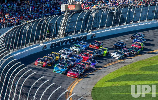 Chase Elliott Takes Lead in The 35th Annual Poweshares QQQ 300 at Daytona